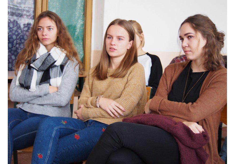 Beseda na gymnáziu Metodova s Kostelanskim - 1