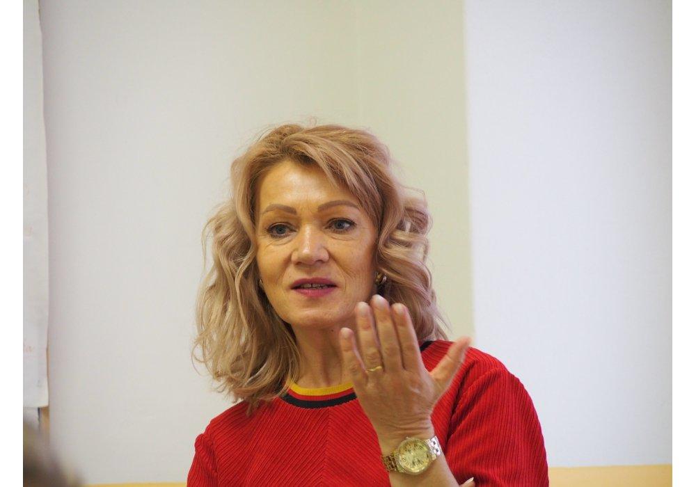 Denisa Fulmeková na besede CR v Malackách - 3