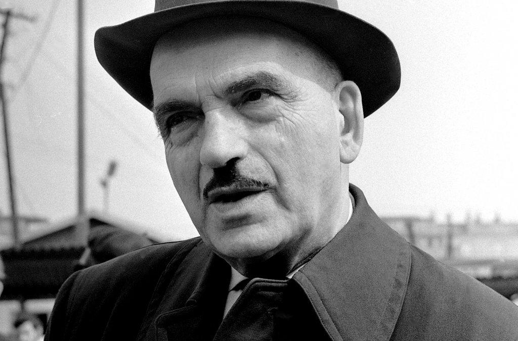 """""""Čo zostalo z básnika"""" Emila Boleslava Lukáča?"""