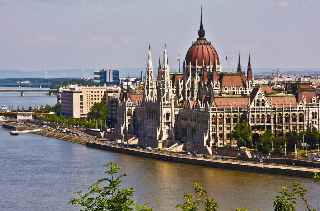 Najvyšší predstavitelia Maďarska a Nemecka otvorili 22. apríla Medzinárodný festival kníh v Budapešti