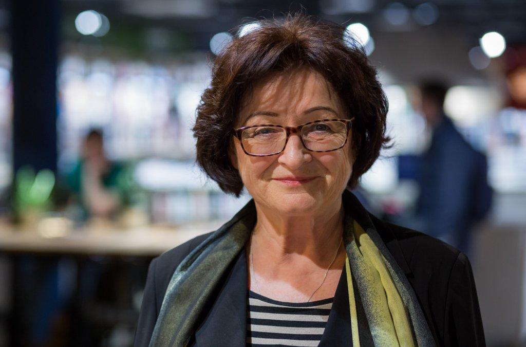Rút Lichnerová o maďarskom vydanín románu Anna Regina