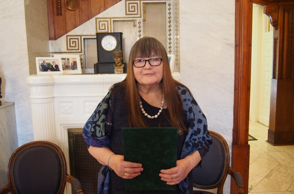Miroslava Vallová Receives the Order of Arts and Letters