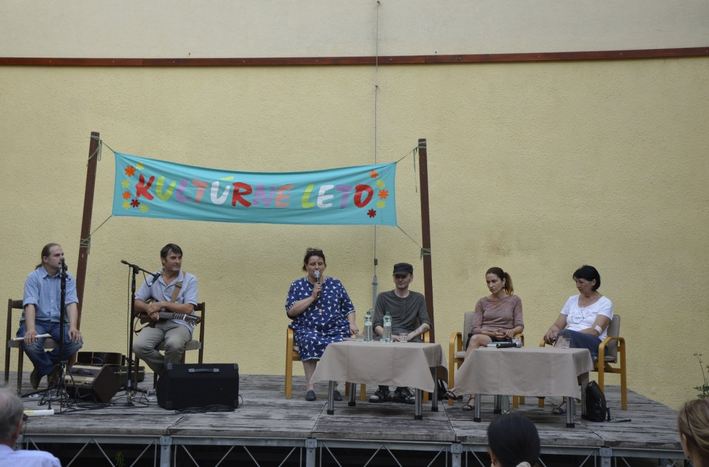 Literatúra bodka sk na kolotoči v Pezinku