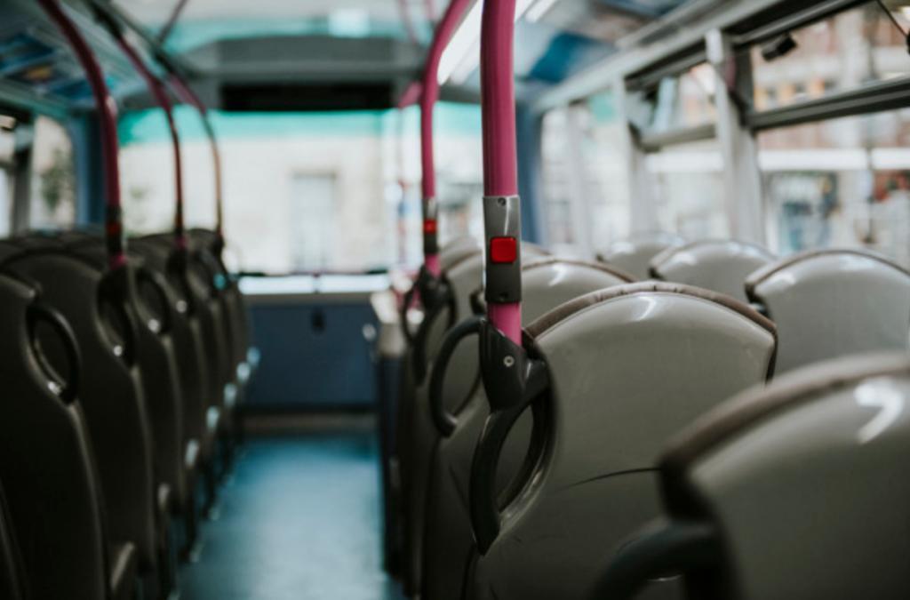 V autobuse (literárnom) do Francúzska